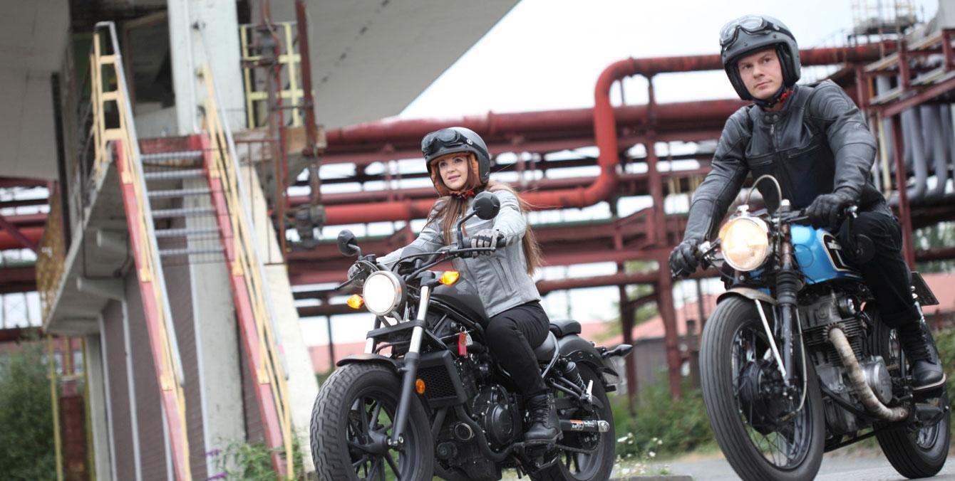 Modeka Leder Motorradbekleidung für Herren und Damen